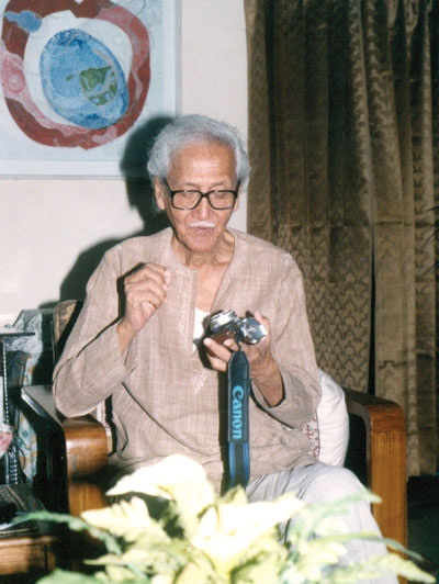 Shafiuddin Ahmed with his camera